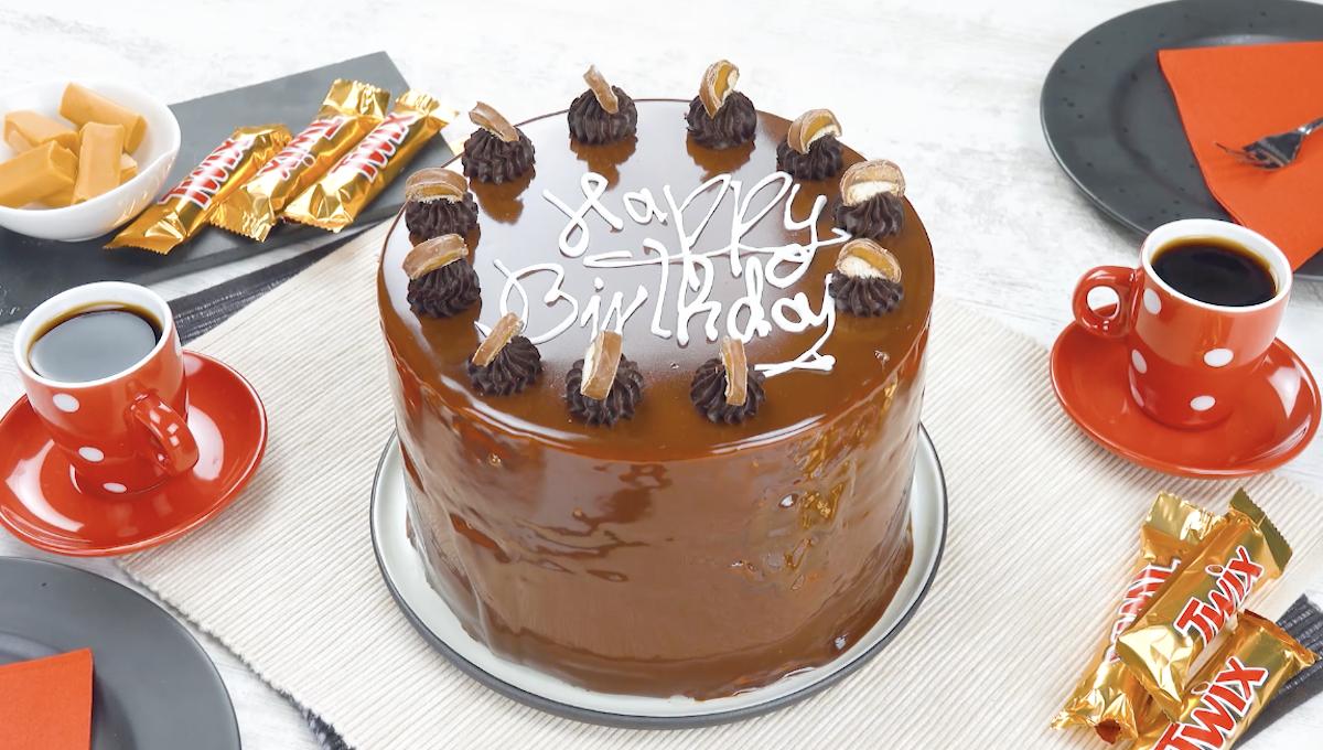 gâteau à la crème glacée et aux twix