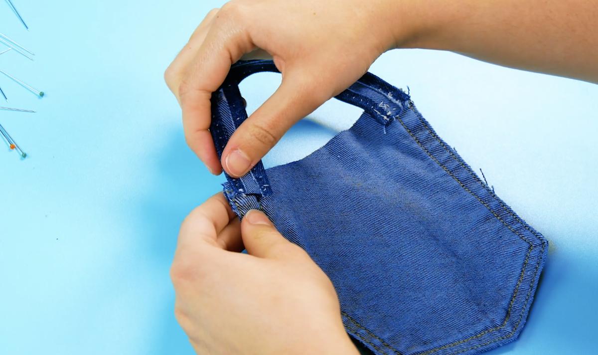 coudre une bande sur la poche