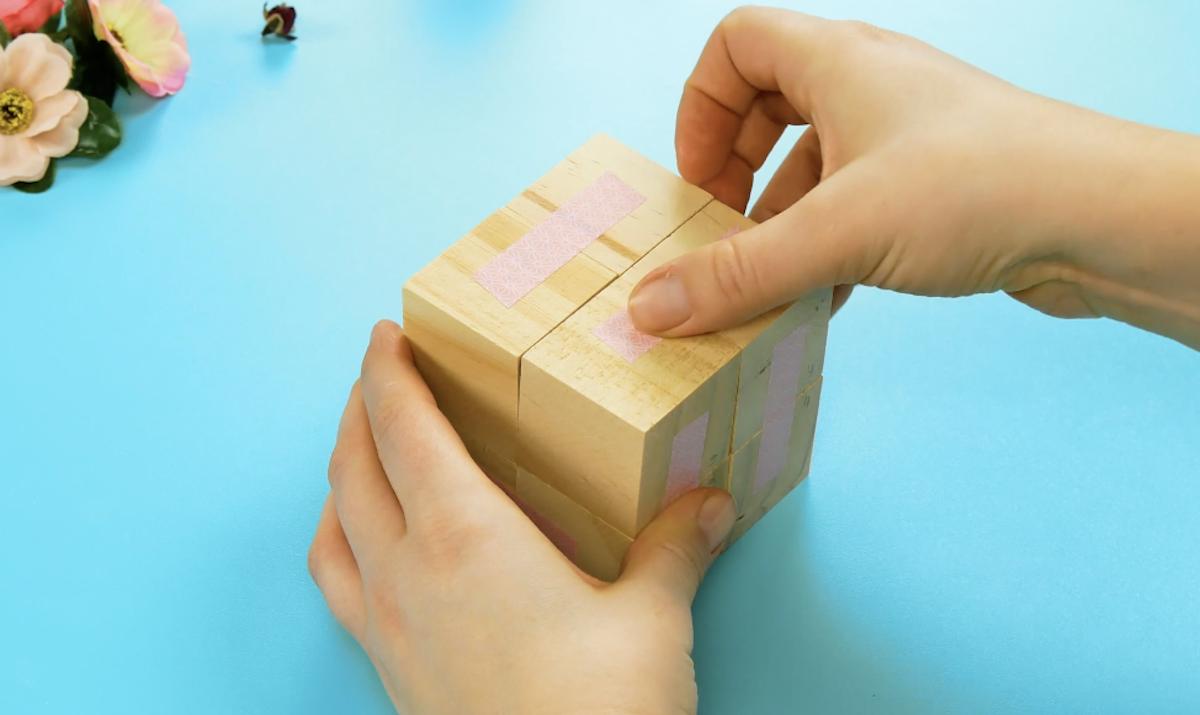 coller 8 cubes ensemble