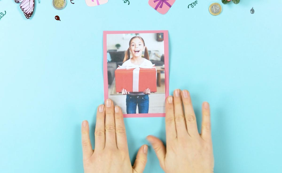 coller la photo sur du carton
