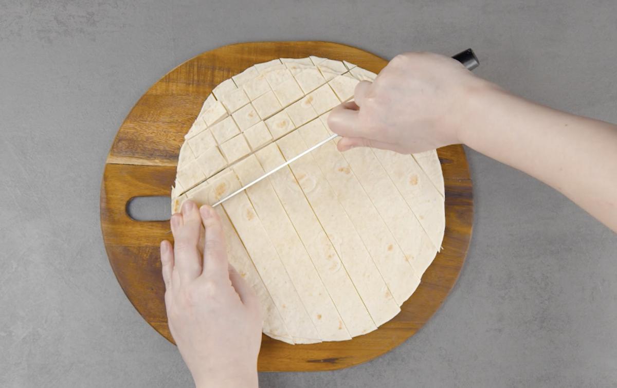 couper la tortilla en carrés