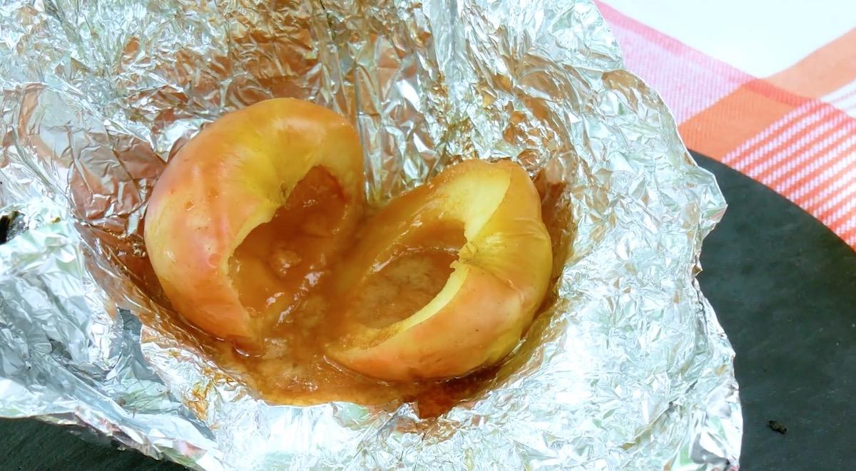 pomme grillée avec un cœurfondant au caramel