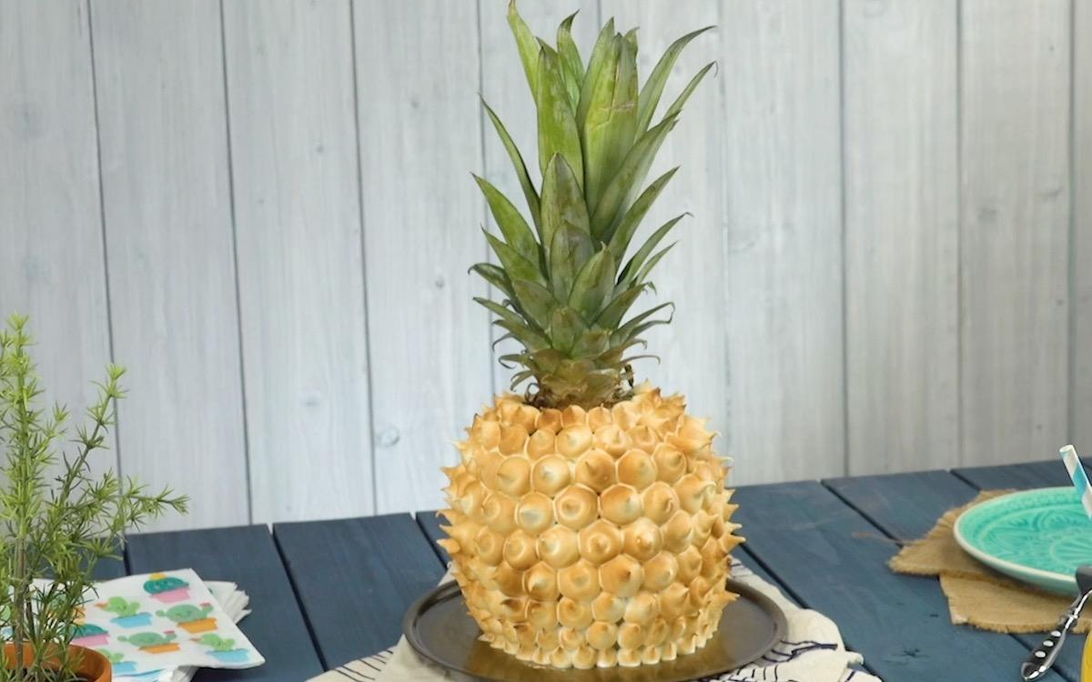 Gâteau tropical : ananas de mascarpone et meringue