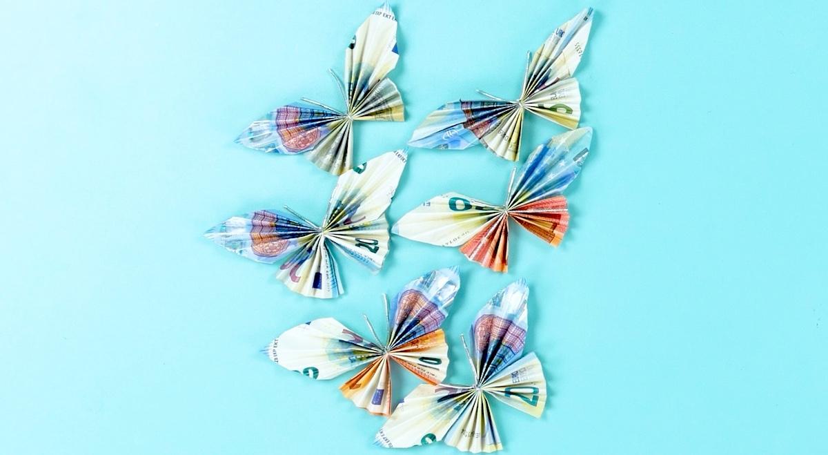 plier les billets en papillons