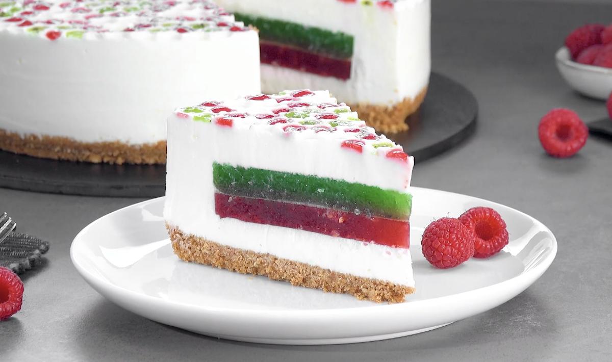 Gâteau au yaourt et à la gélatine fait avec du papier bulle