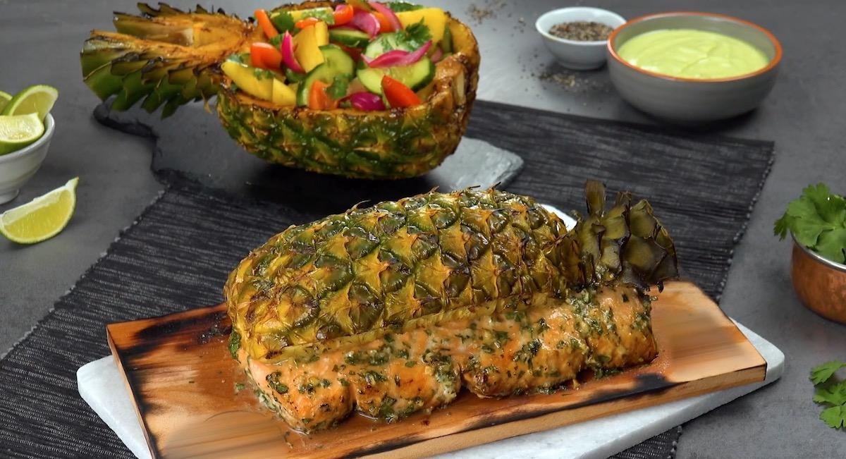 Filet de saumon grillé à l'ananas