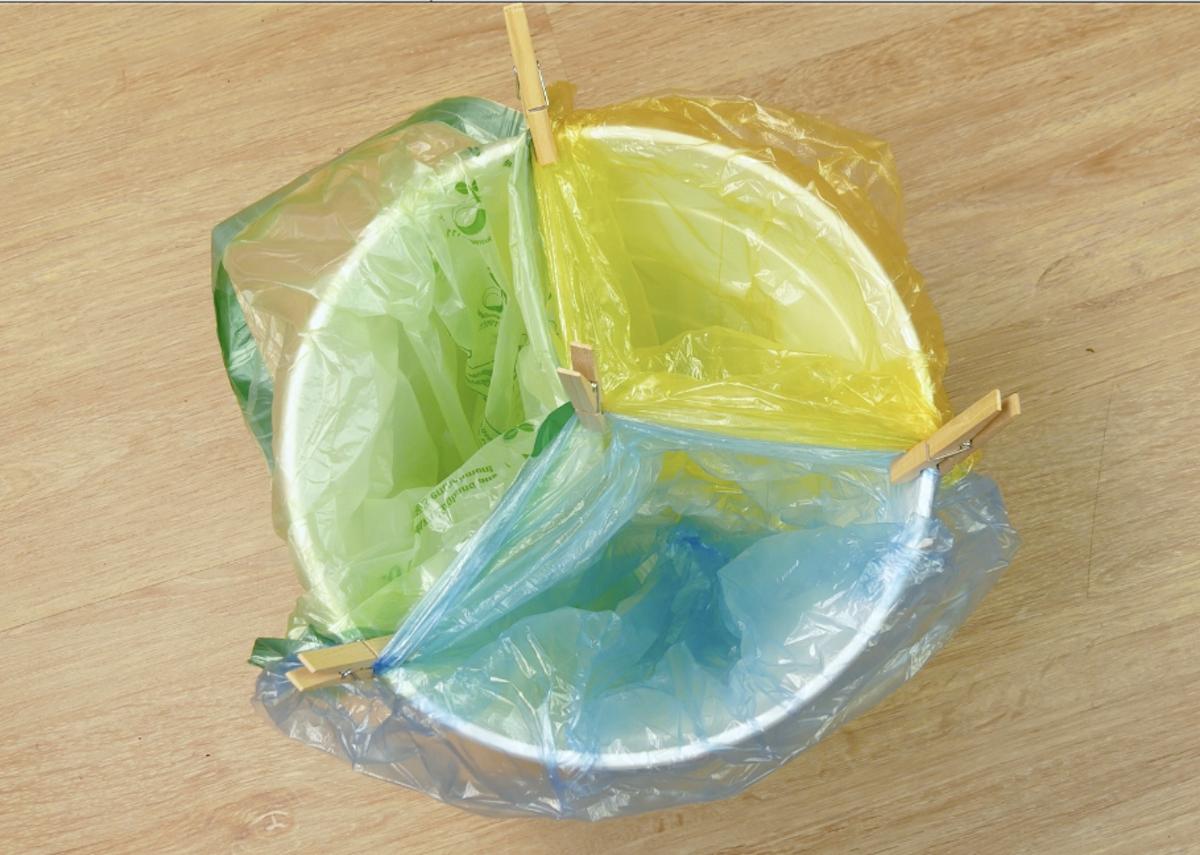 poubelle avec 3 compartiments
