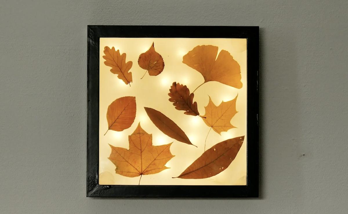 décoration d'automne lumineuse pour votre salon faite à partir de feuilles